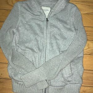 Aeropostale sweater in good condition